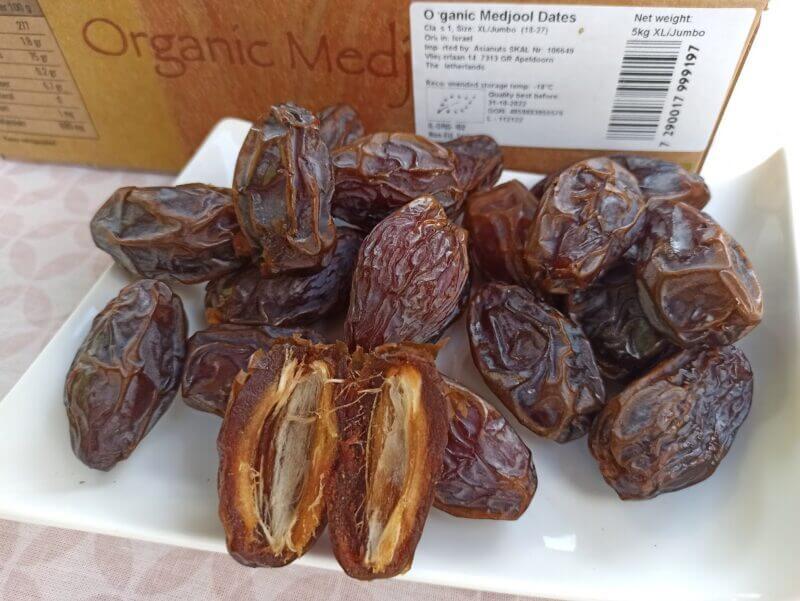 medjool Select xl jumb0 organic medjoul dates 03